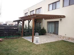 faptul ca acest model de terasa este acoperit cu o placa transpaa de policarbonat ceea ce face ca terasa sa fie mult mai utila si mai interesanta