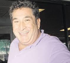 """El jurado del programa """"Mi nombre es """" de Canal 13 Gustavo Sánchez falleció esta mañana en su departamento de Miami. De acuerdo a la versión de Glamorama.cl ... - gustavo-sanchez-fallece"""