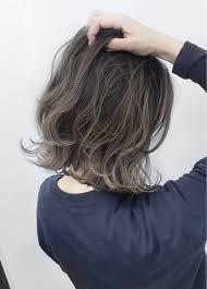 簡単セットが魅力的ミディアムヘアはレイヤーカットにせよ Arine