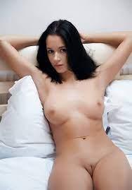 Hot Sexy Cute Brunette Girls Nude