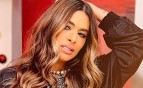 The ancient greek artist fell in love with his creation and prayed to aphrodite (roman: Scolded This Is What Galilea Montijo Said Of Canelo S Wife Explica Co