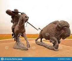 Bronze Statue of Buffalo Bill Cody Editorial Photo - Image of hunting,  hunter: 170339501