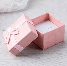 Gift box with bow Square Bx000032jpg The Trendy Jewelry Shop Small Pink Gift Box With Bow