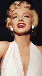 you have to try marilyn monroe s lip contouring tutorial