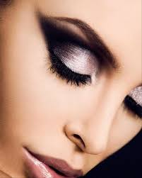 5 dramatic makeup looks 1