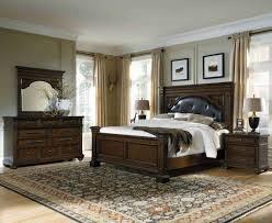 Pulaski Furniture Bedroom Sets Pulaski Furniture Durango Ridge Upholstered Panel Bed Set 673 By