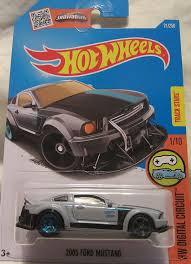 Amazon.com: Hot Wheels 2016 HW Digital Circuit 2005 Ford Mustang ...