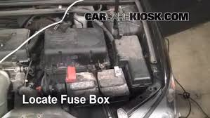 replace a fuse toyota camry toyota camry le l replace a fuse 2002 2006 toyota camry 2006 toyota camry le 2 4l 4 cyl