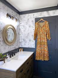 25 Wallpapered Bathrooms That Will Make ...