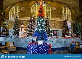 Christmas Lights Roanoke Va 2018 Fashions For Evergreens Displays At The Hotel Roanoke 2018