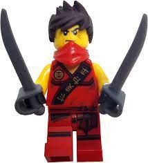 LEGO Ninjago: Kai Minifigure with Zersausten Hair (Red Ninja) with Sabres:  Amazon.de: Spielzeug