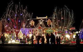 Christmas Light Glen Allen Tacky Light House Wins 50k On Abcs Great Christmas