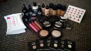 cosmetics kit breakdown mac pro student kit pic