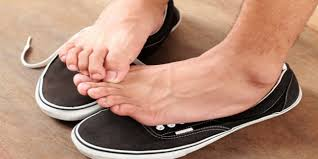 Natural Treatment Options that can help Cure Itchy Feet | Home ...