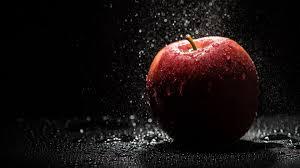 Red Apple In Water Hd Wallpaper