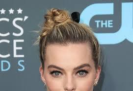 účesy Podle Margot Robbie Inspirace Kterou Využijete Na Svatbě I
