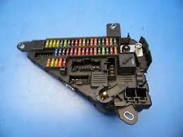 06 10 bmw 5 series e60 m5 oem rear fuse box w fuses relays 6 906 details about 06 10 bmw 5 series e60 m5 oem rear fuse box w fuses relays 6 906 619 01