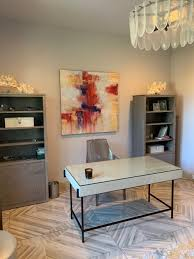 Abstract Painting by Cheryl Rhodes seen at Private Residence, Dallas |  Wescover