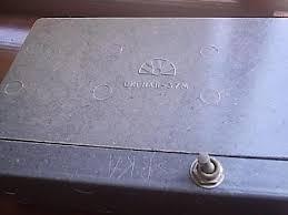Прибор приёмно контрольный охранной сигнализации Сигнал М  Приёмно контрольный прибор Сигнал 37М