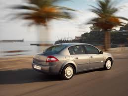 Renault Megane Saloon Review (2006 - 2009) | Parkers