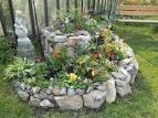 Клумбы и цветники из камней