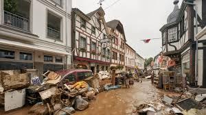 Hochwasser im Ahrtal: Staatsanwaltschaft ermittelt gegen Landrat - Panorama  - SZ.de