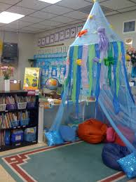 Awesome idea for a reading corner- like that it's