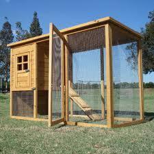 construire soi même son poulailler n exige pas de l éleveur des pétences particulières une prédisposition au bricolage suffit largement