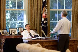 obama oval office desk. wonderful obama filebarack obama and rahm emanuel in the oval office 102009jpg to desk