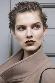 90s beauty trends wed love to revisit and rev brown lipstick paired with a matte plexion and soft brown eye shadow it s so 90s