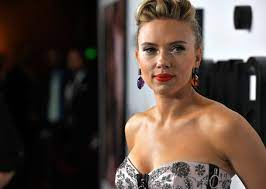 Scarlett Johansson ends up smearing her ...