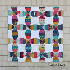 Melon Double Wedding Ring Quilt & a Sizzix Giveaway! (Leigh Laurel ... & Melon Double Wedding Ring Quilt & a Sizzix Giveaway! Adamdwight.com