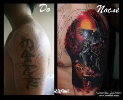 фото татуировки вороны и песочные часы в стиле цветная татуировки
