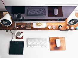 Working-Girl-How-to-Give-Your-Home-Office-