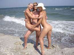 Swinging beach couples sex