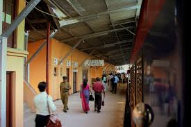 file sri lankan railways cl s11 train at colombo fort station bound for galle and