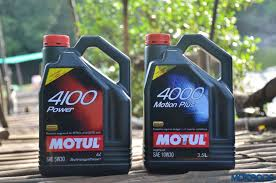 motul all about lubes why choose 5w30 10w30 over 20w50 for your cars motoroids