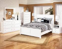 Distressed White Bedroom Furniture Awesome Master Bedroom Decor ...