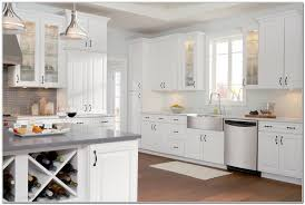 American Homestyle Kitchen 17 Best Ideas About Oak Cabinet Kitchen On Pinterest Oak Cabinet