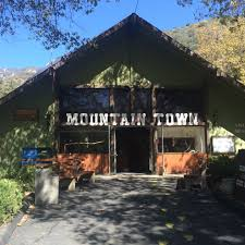 offbeat l a fall is in the air apple picking in oak glen the museum at oak tree village specializing in stuffed animals and live reptiles photo