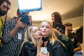 makeup artist tricks for looking good in holiday photos