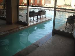 Platinum Hotel and Spa: Great indoor/outdoor pool