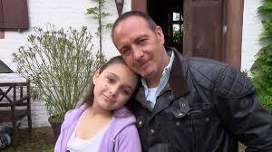 Alarm für Cobra 11: Erdogan Atalay steht mit seiner Tochter vor der Kamera