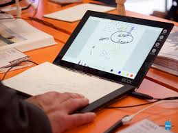 lenovo yoga book preview hey look it s a tablet with a notepad