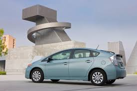 2012 Toyota Prius Plug-in - Information and photos - ZombieDrive