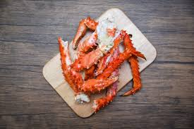 King Crab Leg Size Chart Alaskan King Crab Legs Cooked Seafood On Wooden Cutting