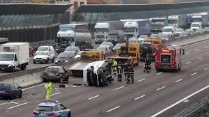 Tragico incidente sulla A4: un morto nello scontro fra 4 ...