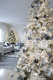 Image Modern Awesome 51 Fascinating Christmas Tree Ideas For Living Room Pinterest 51 Fascinating Christmas Tree Ideas For Living Room Living Room