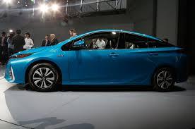 2017 Toyota Prius Prime Plug-In Hybrid Review - Motor Trend