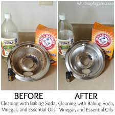 Great tutorial on how to clean your burner drip pan with baking soda,  vinegar,